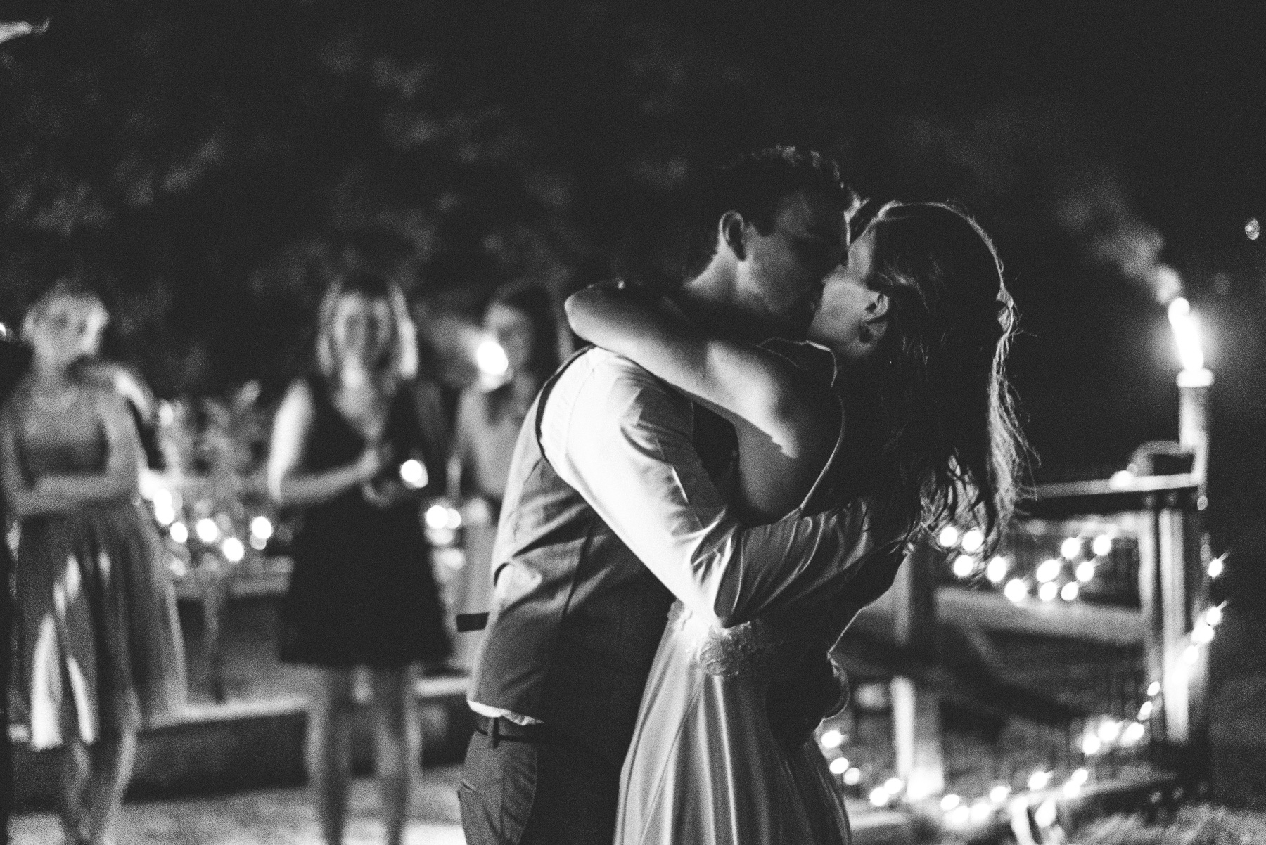Wedding Photo Kiss